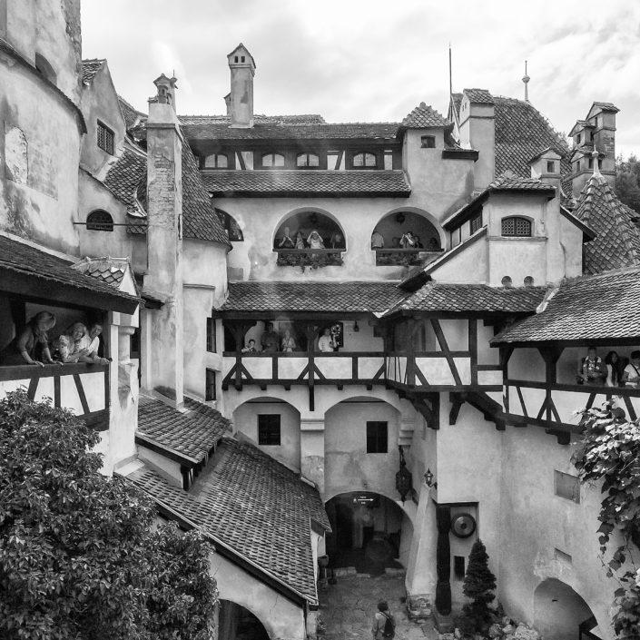 Nádvorie - Tajomstvá hradu Bran, Rumunsko